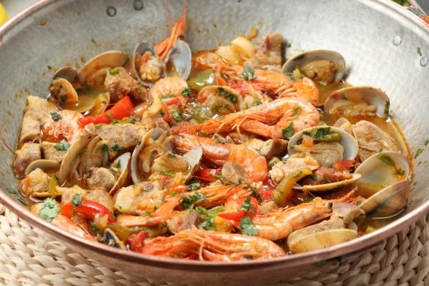 Cataplana de Marisco (Seafood Cataplana)